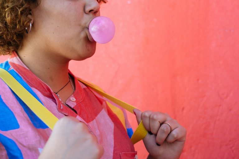 chewing a gum
