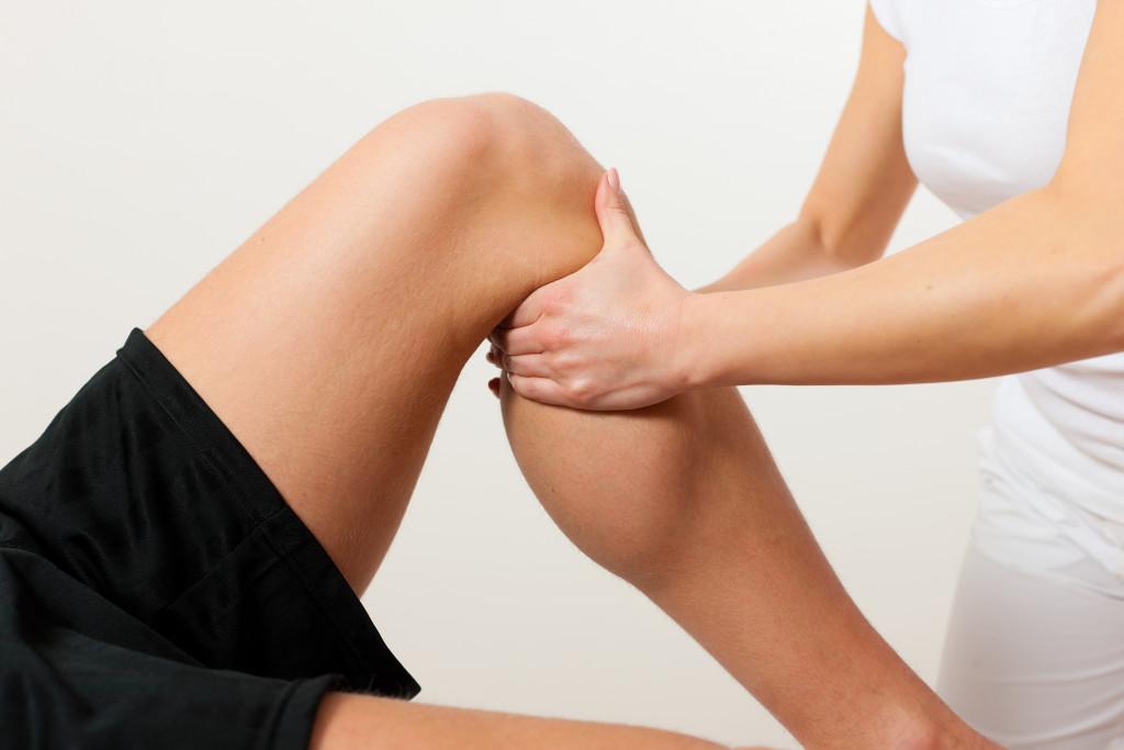 bad knee being treated